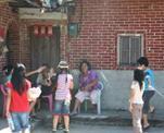 小小朋友採訪社區耆老