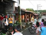 學童騎自行車探訪社區